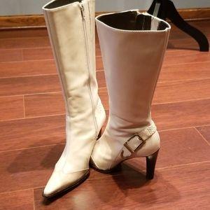 Gorgeous Leather Antonio Melani Boots!